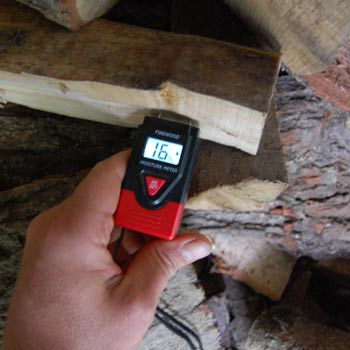 firewood moisture meter with backlit display