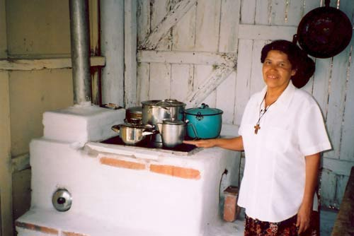 Dona Justa Nunex helped design the Justa stove